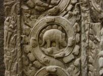 Een foto van het stegosaurus-achtige bas-reli?f in Angkor Wat